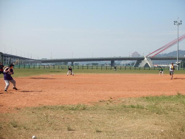 歡喜來打球