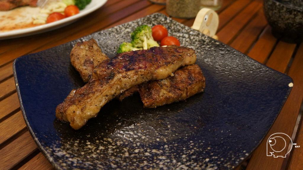 紅牛碳烤去骨牛小排
