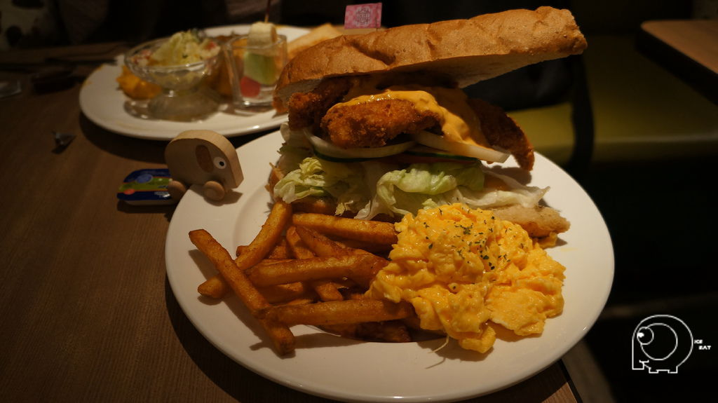 美味蟹寶魚排三明治