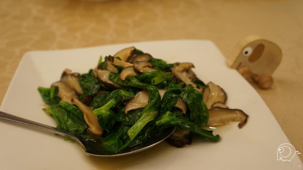 豆苗炒香菇