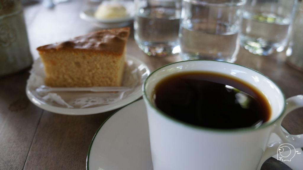 台灣咖啡加蜂蜜蛋糕