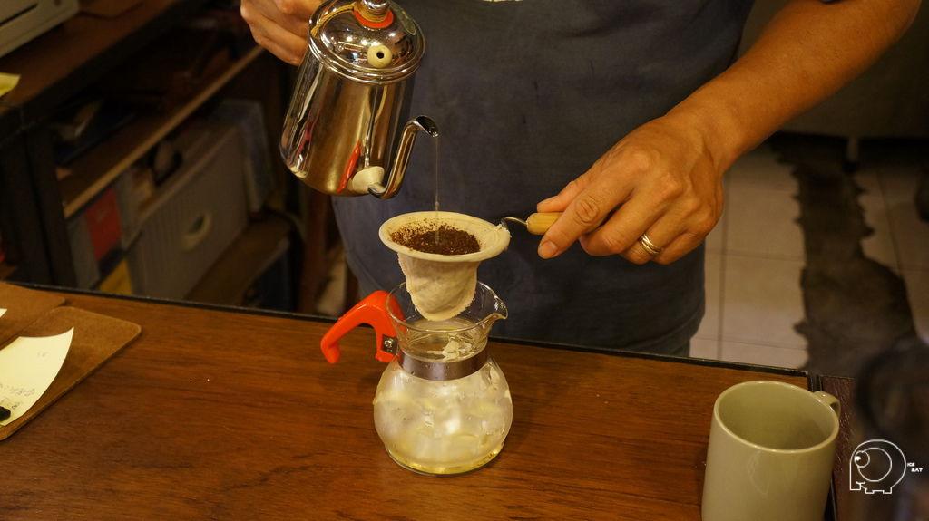 老闆沖冰咖啡