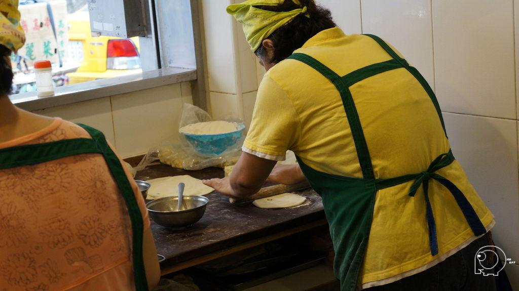 製作蛋餅皮
