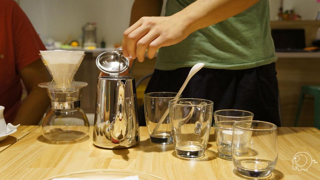 桌邊泡咖啡