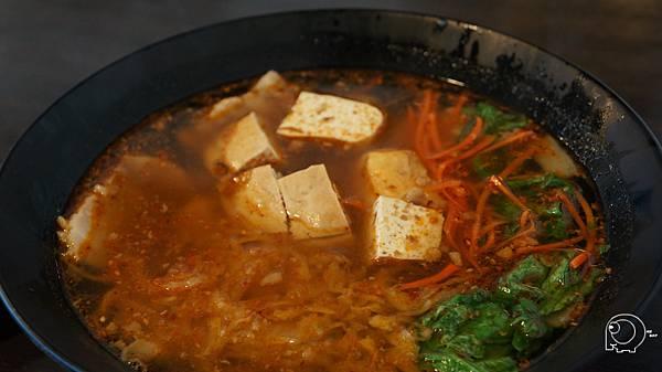 麻辣臭豆腐梅肉麵疙瘩