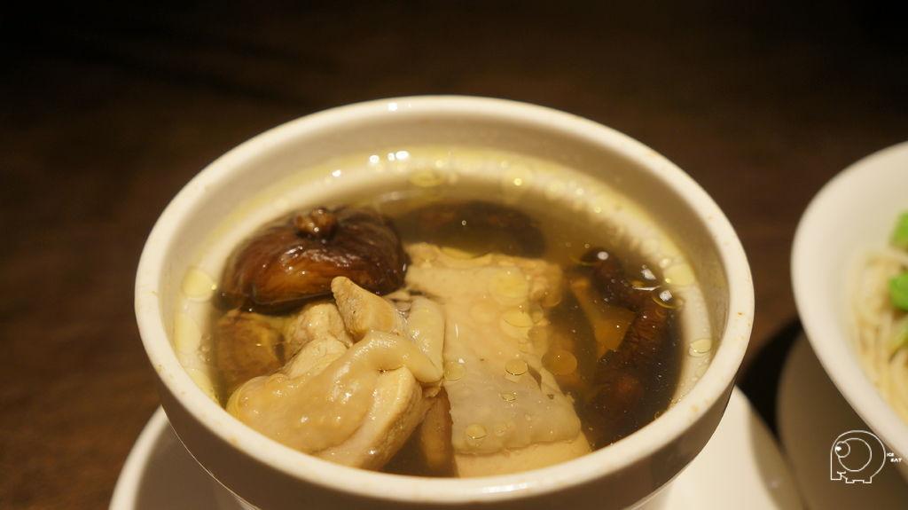 元盅土雞麵
