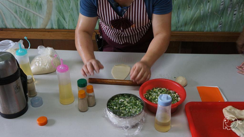 製作蔥油餅講解