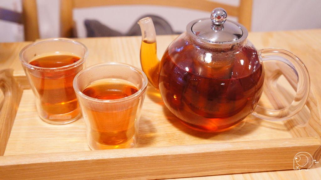 甜桃阿薩母茶