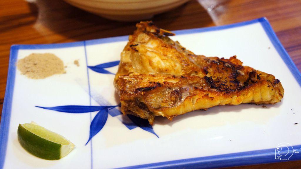 烤鯛魚下巴