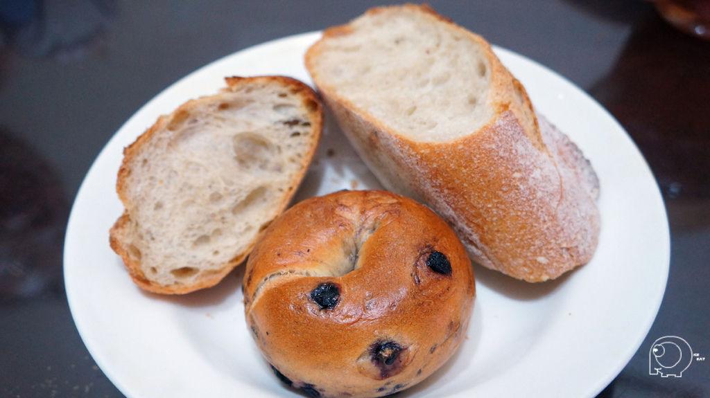 法國麵包&藍莓貝果