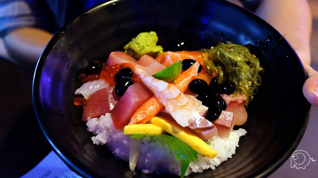 生魚片蓋飯