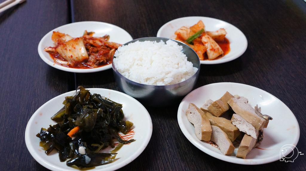豆腐鍋小菜