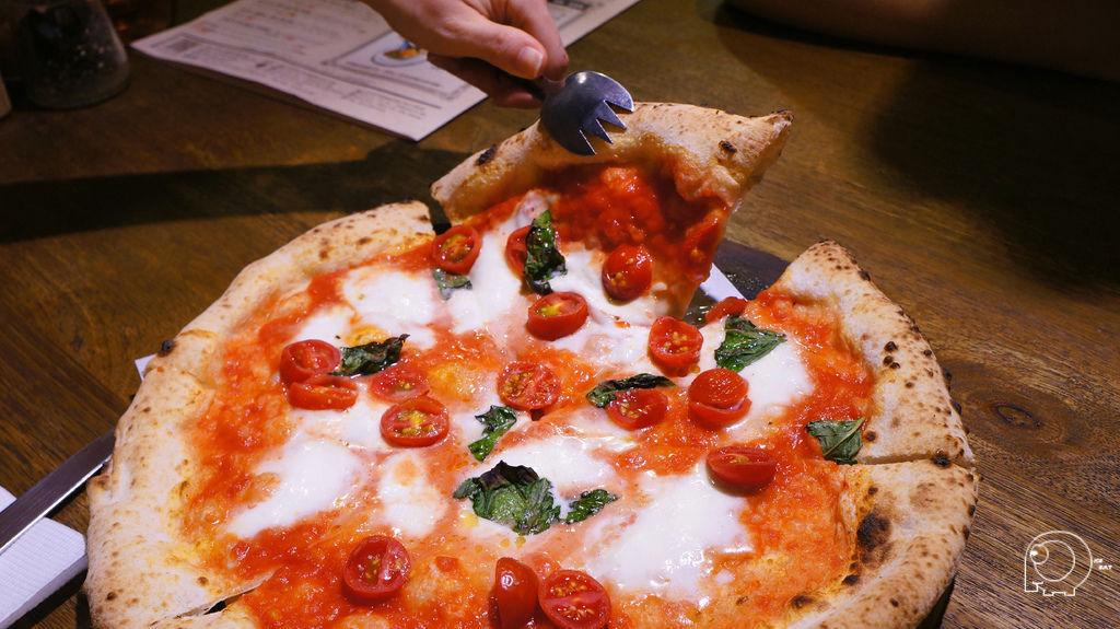 傳統拿玻里披薩