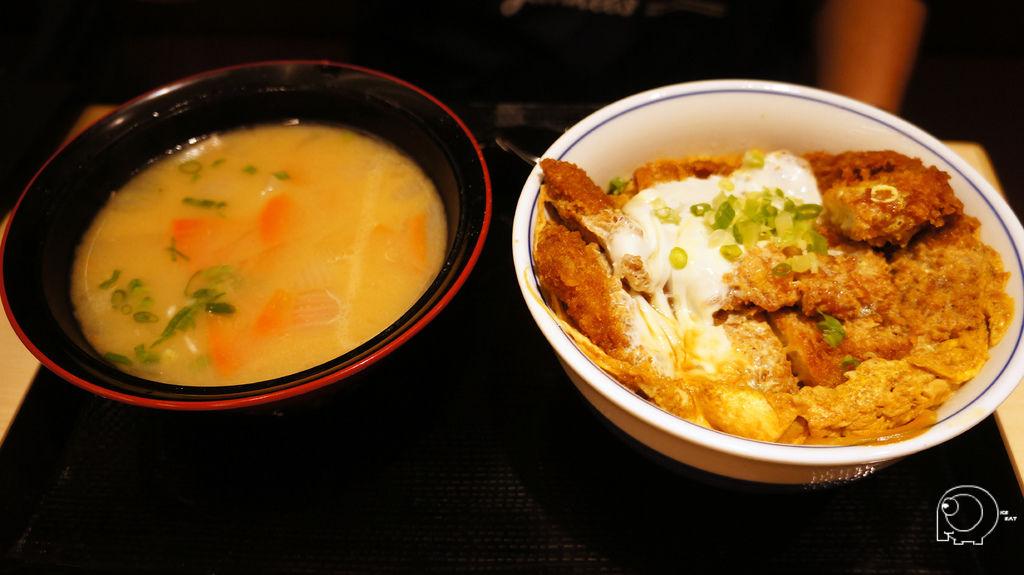 吉豚豬排丼(松)+豬肉味噌湯大