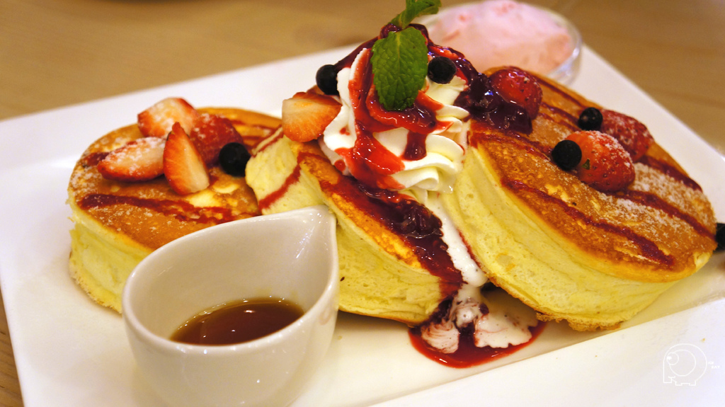 綜合莓果厚燒鬆餅