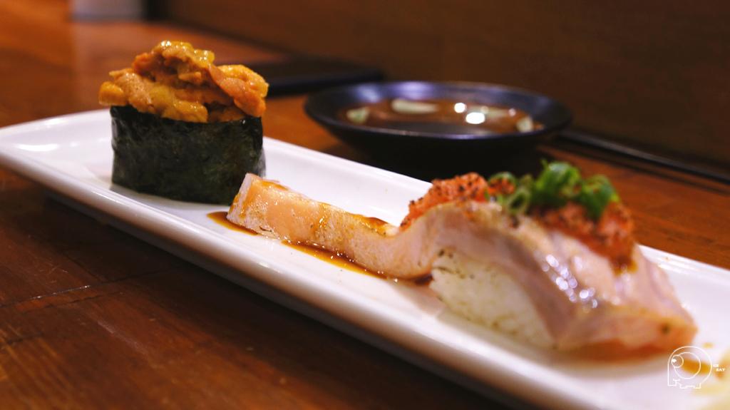 馬糞&炙燒鮭魚肚握壽司