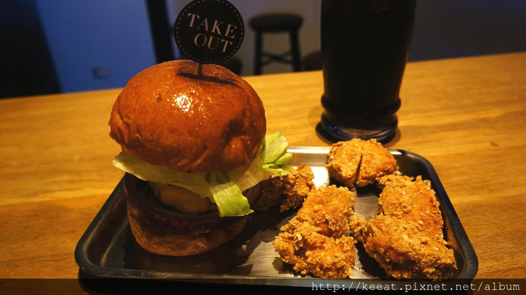 雙層牛肉經典漢堡加B餐