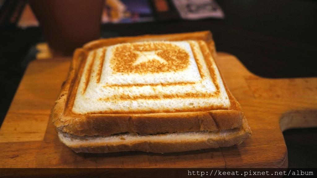 火焰起司牛肉三明治