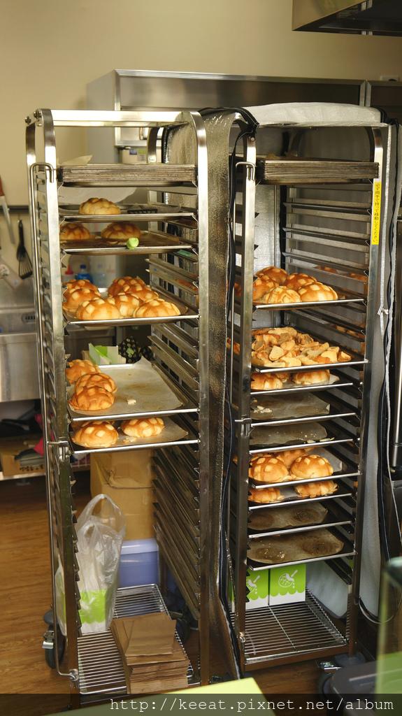 現烤菠蘿麵包