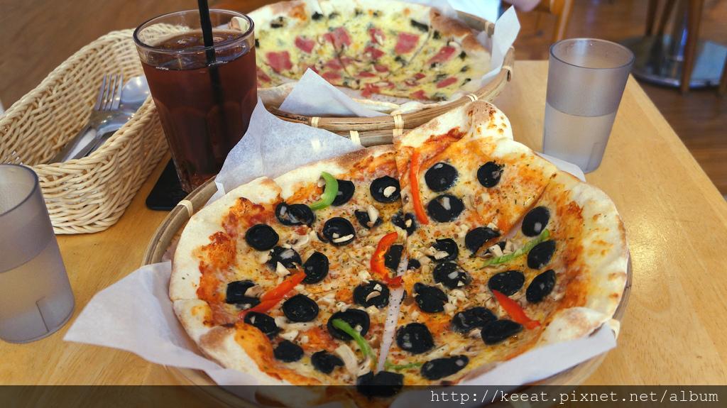 墨魚香腸披薩