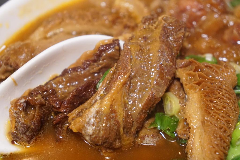 紅燒三寶牛肉麵