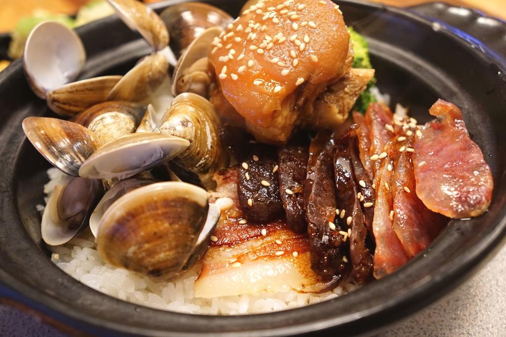 廣式腊味加蛤蜊加豬腳
