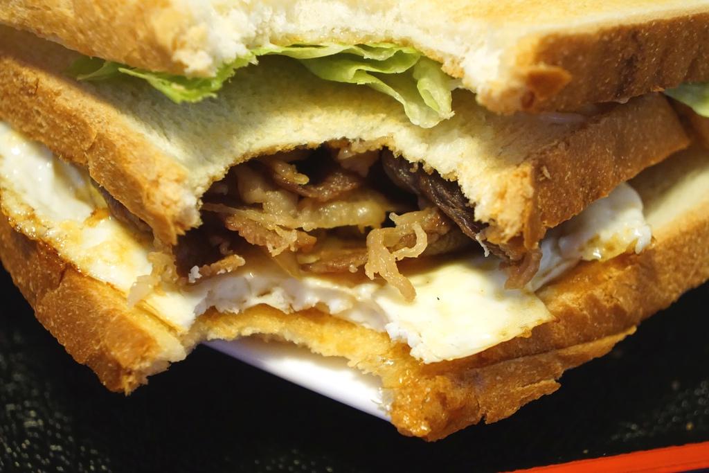 牛肉燒三明治