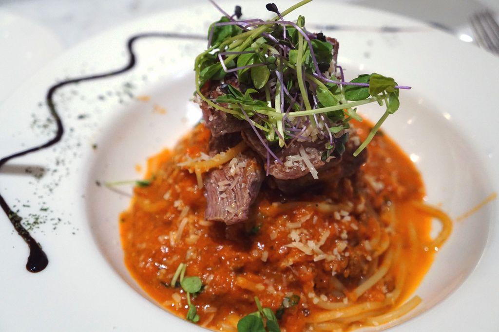 翼板牛蕃茄肉醬義大利麵