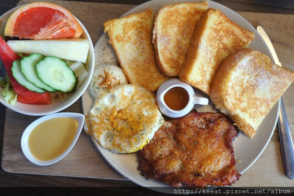 迷迭香雞腿排早午餐