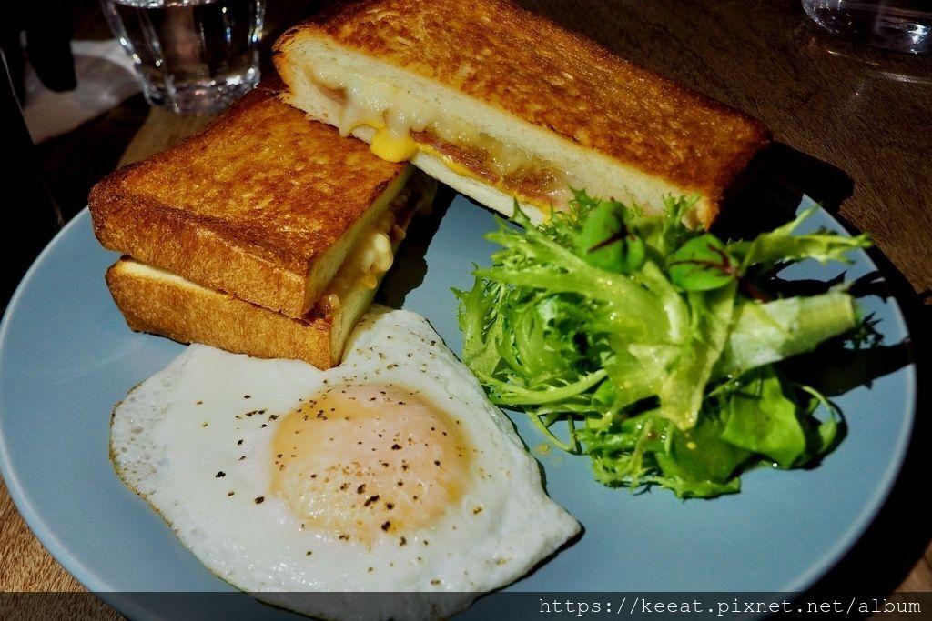 乳酪火腿脆煎三明治$300