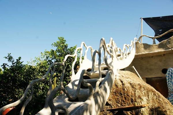 波浪造型樓梯扶手.JPG