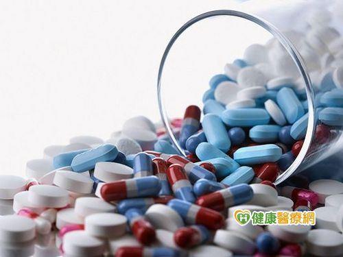 吃藥最好配胃藥? 4成民眾認為西藥很傷胃