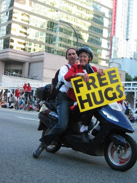 Canada Day Parade~Free Hug!