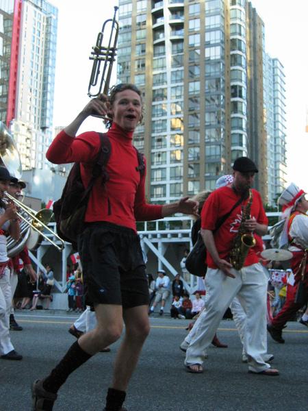 Canada Day Parade~老兄你也太開心