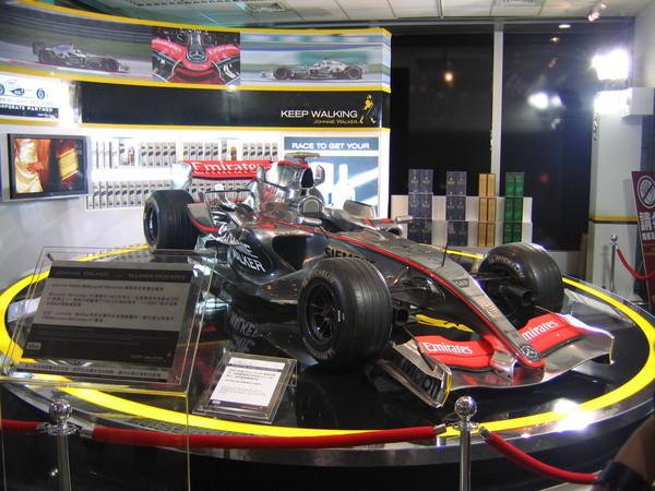 強尼跑路贊助的F1