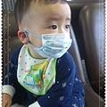 20110205(1Y1D)感冒戴口罩1