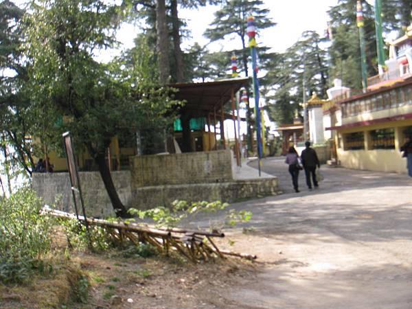 近官邸的喇嘛廟 (3).JPG