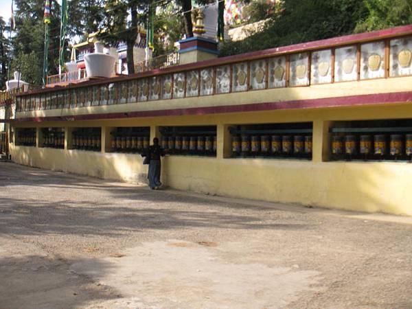 近官邸的喇嘛廟 (4).JPG