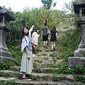 我們在爬山去神社