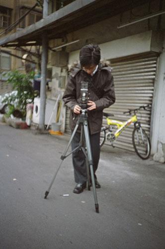 用別人的老相機擺pose~