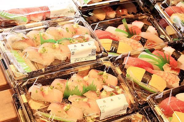 泊港魚市場10.jpg
