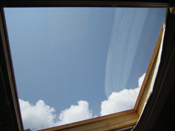房間的超正天窗喔