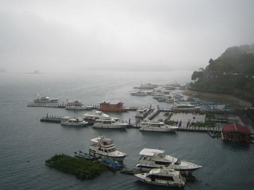 水社碼頭霧景