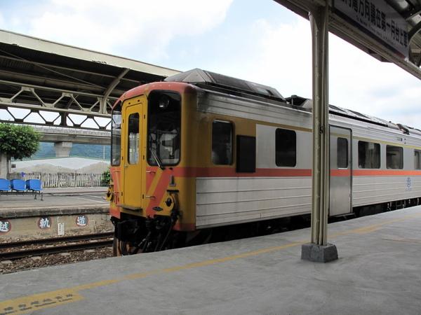 火車進站02.jpg