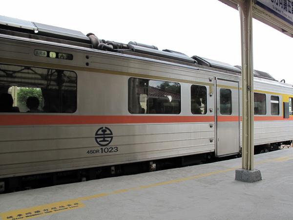 火車進站03.jpg