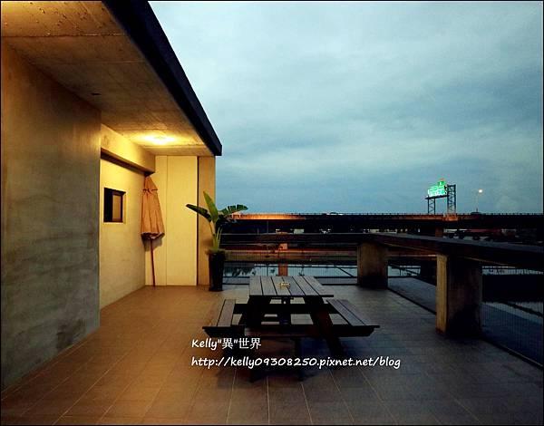 3樓外陽台-1800.jpg