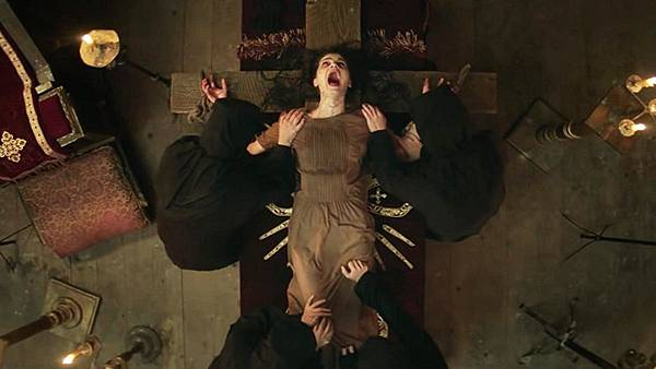 Crucifixtion-2017-Movie-Scene.jpg