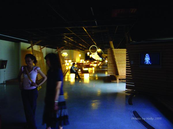 台中美術館內展