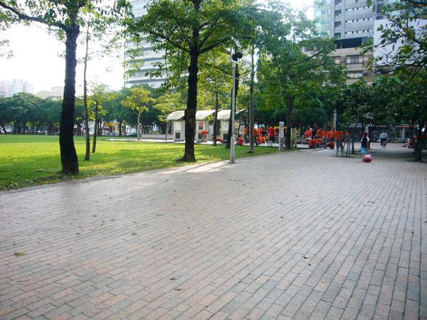 07-市民公園有消防隊在練功...jpg