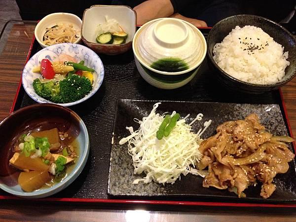 薑汁燒肉定食 (1)